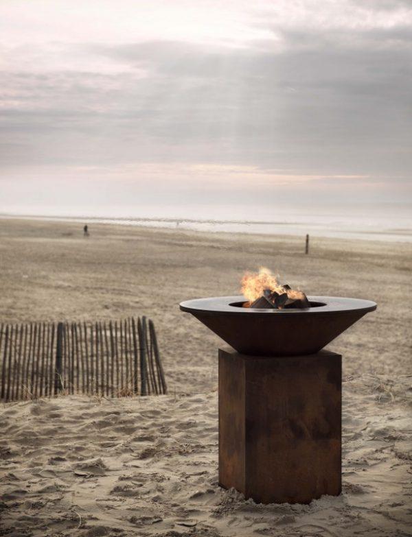 barbacoa ofyr clasica corten playa Barbacoa circular de diseño en acabado acero oxidado.